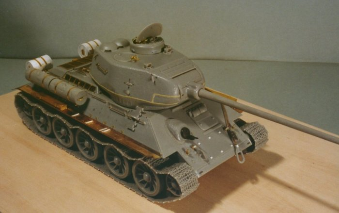 Missing Links Article Mario Ales Dragon T34 85 Model 1944